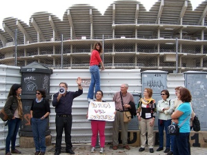 Tourists on a protest tour in Spain are presented with declining public infrastructure, expensive mega-projects, and tales of government corruption.